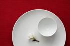 和食器と桜の花