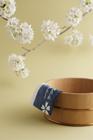 桶と桜の花