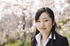 新入社員女性アップと桜