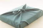 グリーンの風呂敷包み