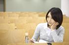 教室の女子学生