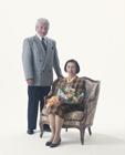花束と老夫婦