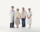 医師と看護士と老夫婦