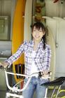 自転車と日本人女性