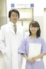 医師と女性患者ポートレート
