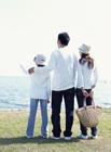 水辺の家族