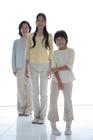 女性3世代ポートレート